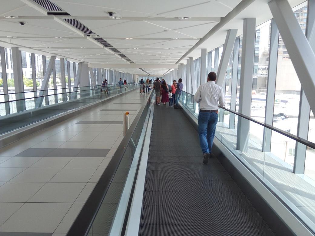 Снимка 1, Небостъргачите на Дубай