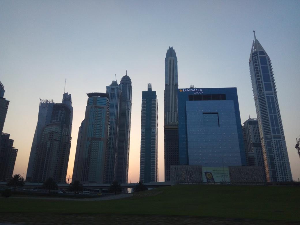 Снимка 3, Небостъргачите на Дубай