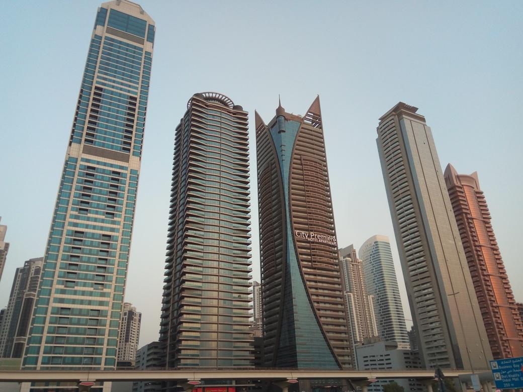 Снимка 8, Небостъргачите на Дубай