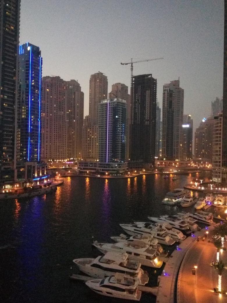 Снимка 3, Ресторант 'Pier 7', Дубай