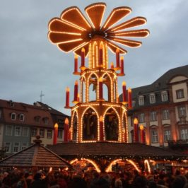 Хайделберг, Германия  – коледен дух в бароков стил