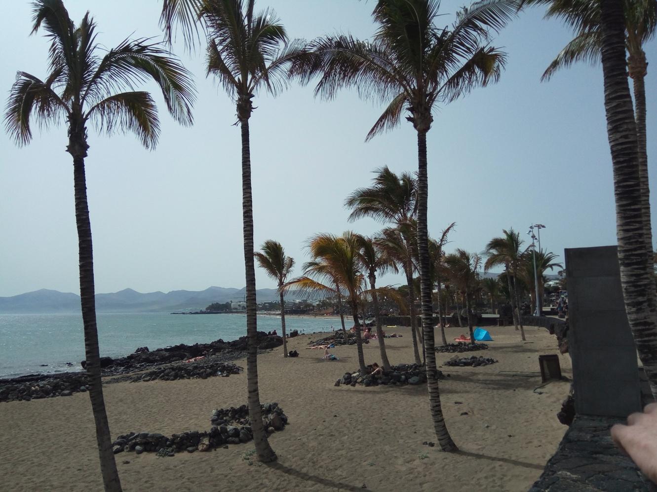 Плажа в Пуерто де ла Кармен, Лансароте