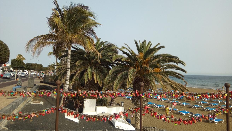 Катинарчетата на вюбените в Пуерто де ла Кармен, Лансароте