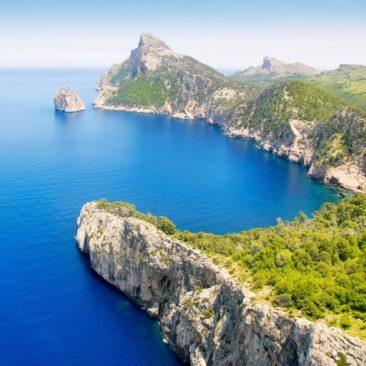 7 слънчеви почивки през Май