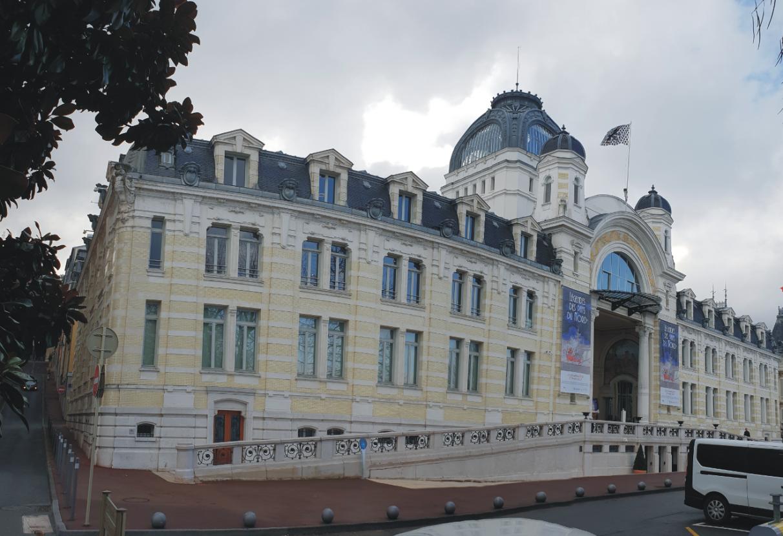 Дворецът Люмиер, Евиан, Франция