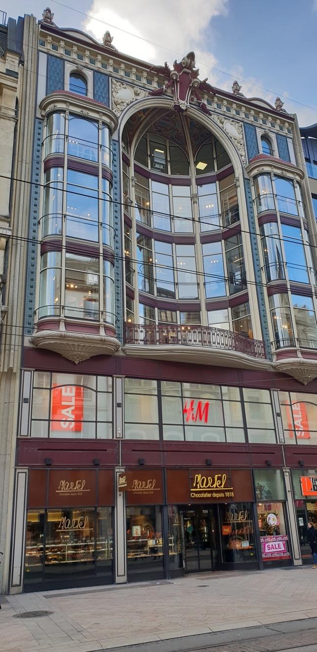 Снимка 11, Микс между старинна и съвременна архитектура, Женева, Швейцария