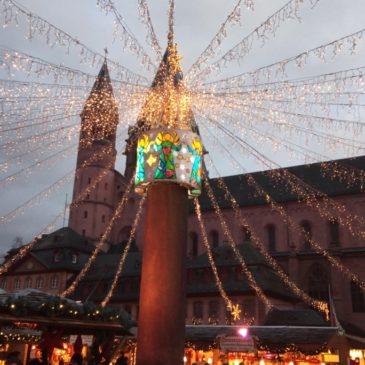 Майнц, Германия – Коледна магия с провинциално очарование